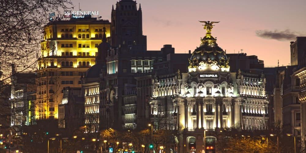 Descubrir la magia de la noche en Madrid