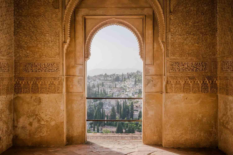 Viajes Semana Santa 2017: Qué hacer en Granada al viajar en familia, con amigos o con tu mascota