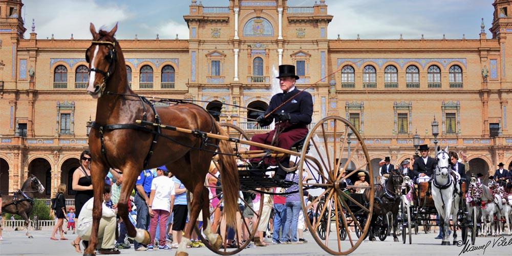 Planes románticos en Sevilla para hacer con tu pareja: Paseo en Calesa