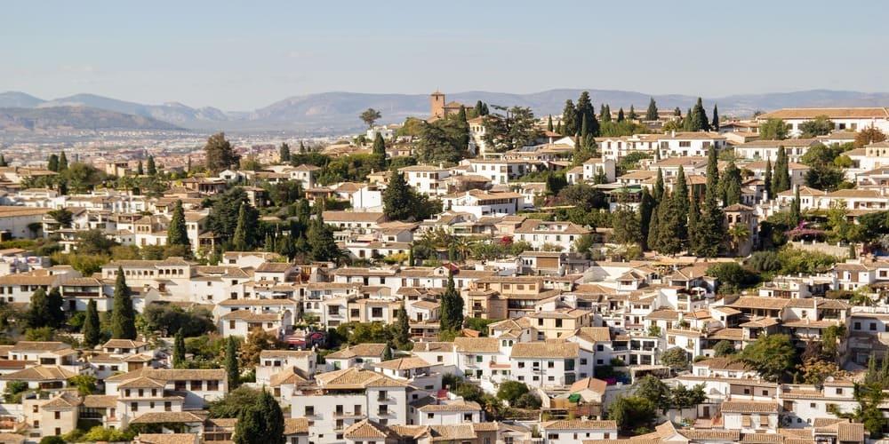 El Albaicín es uno de los lugares más bonitos de la ciudad