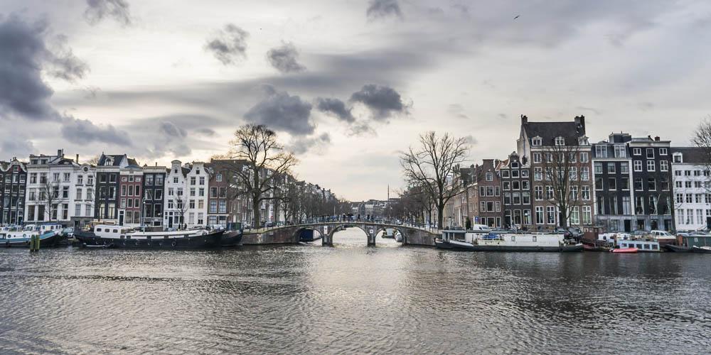 Qué ver en Amsterdam - Crucero por los canales