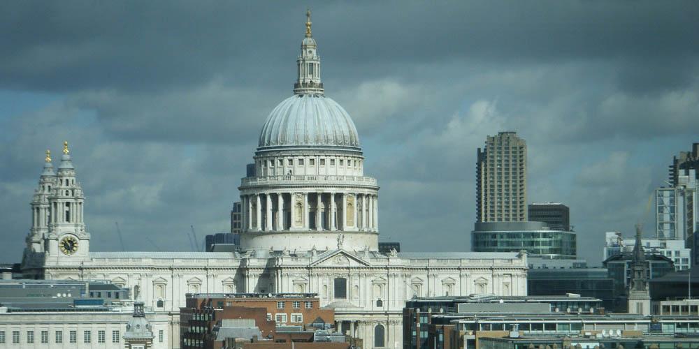 Uno de los sitios menos conocidos pero igual de interesantes para visitar en Londres es la Catedral de San Pablo.