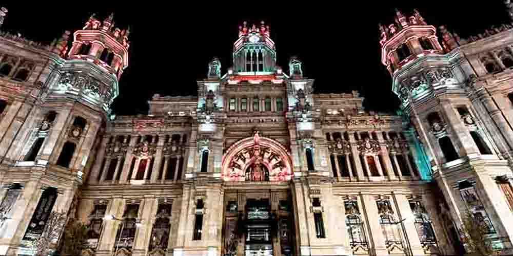 El Ayuntamiento de Madrid cerca de la Gran Vía.
