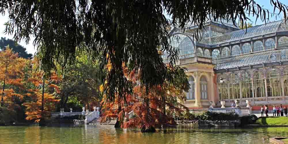 El Palacio de Cristal en el Parque del Buen Retiro.