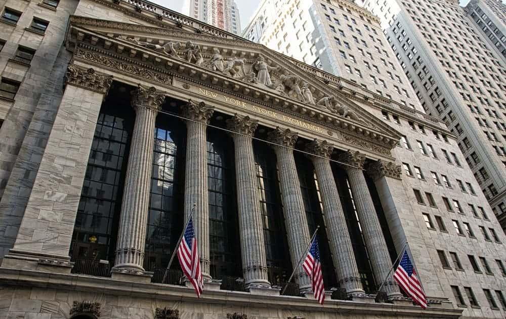 Distrito financiero de la ciudad de los rascacielos y Wall Street