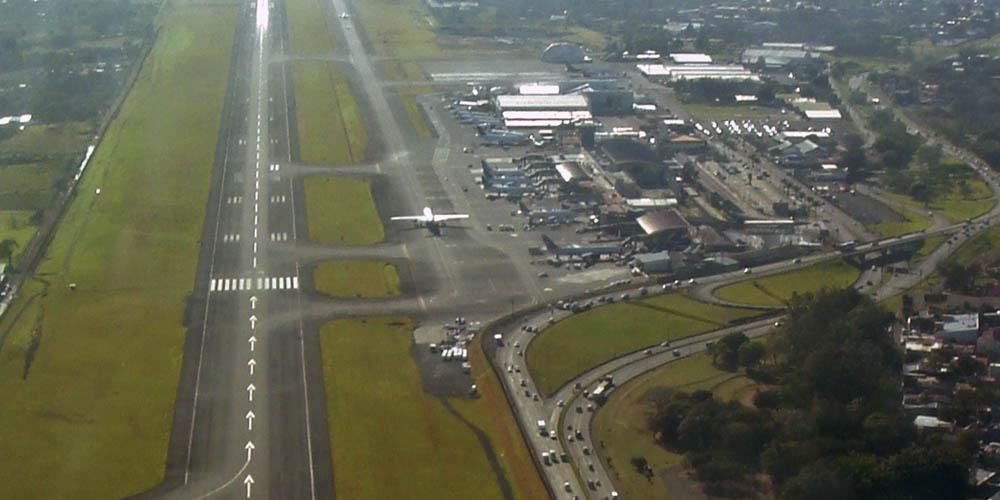 Viajar a Costa Rica: Aeropuerto Juan Santamaría