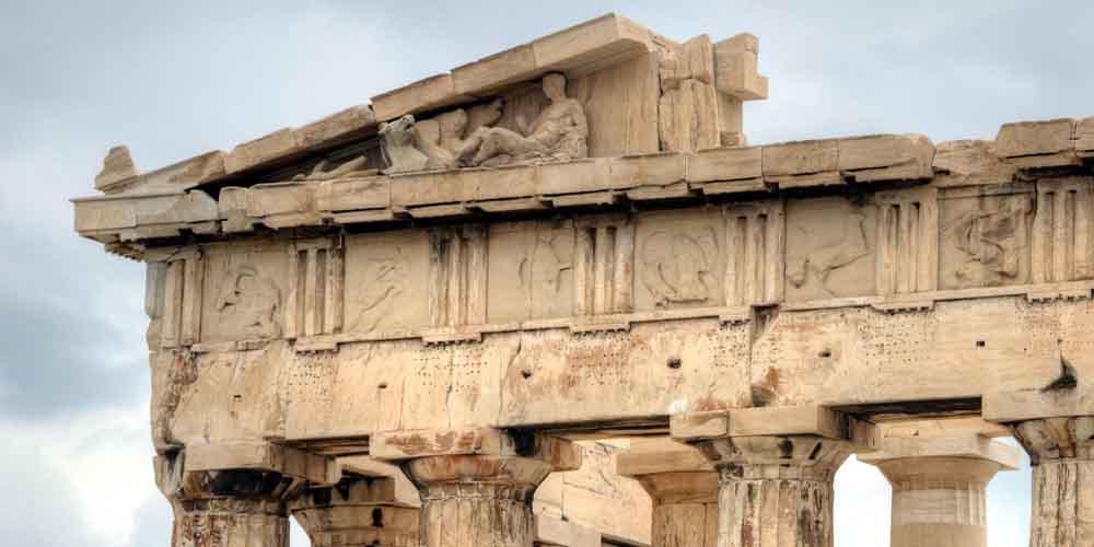 Detalle del Partenón, el principal monumento que ver en Atenas.