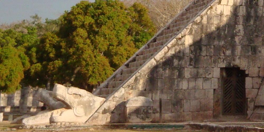 Equinoccio de Chichen Itza en Marzo en Riviera Maya.