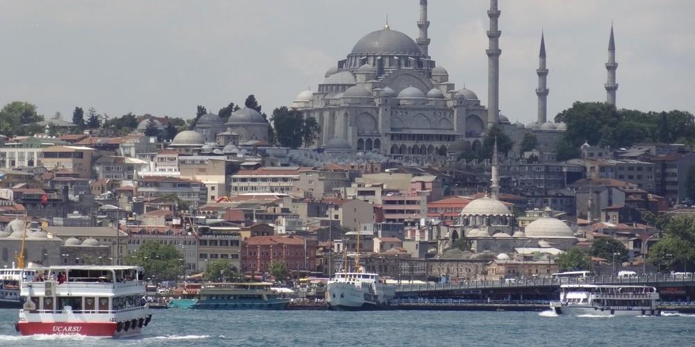 En el crucero por el Bósforo podrás plantearte qué ver y qué hacer en Estambul durante el resto de tu viaje