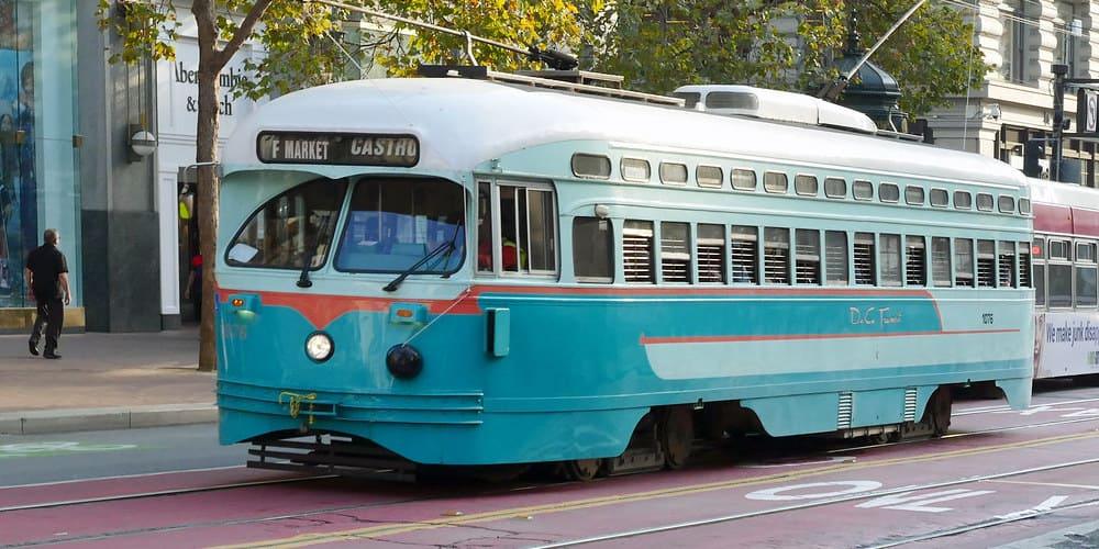 Los street cars en San francisco son uno de los medios de transporte mas emblemáticos.