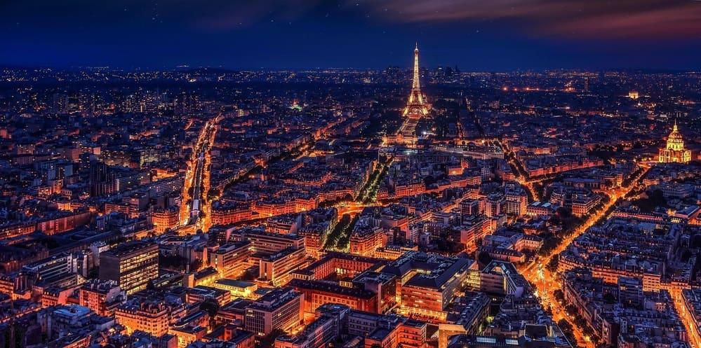 Tour por París de noche