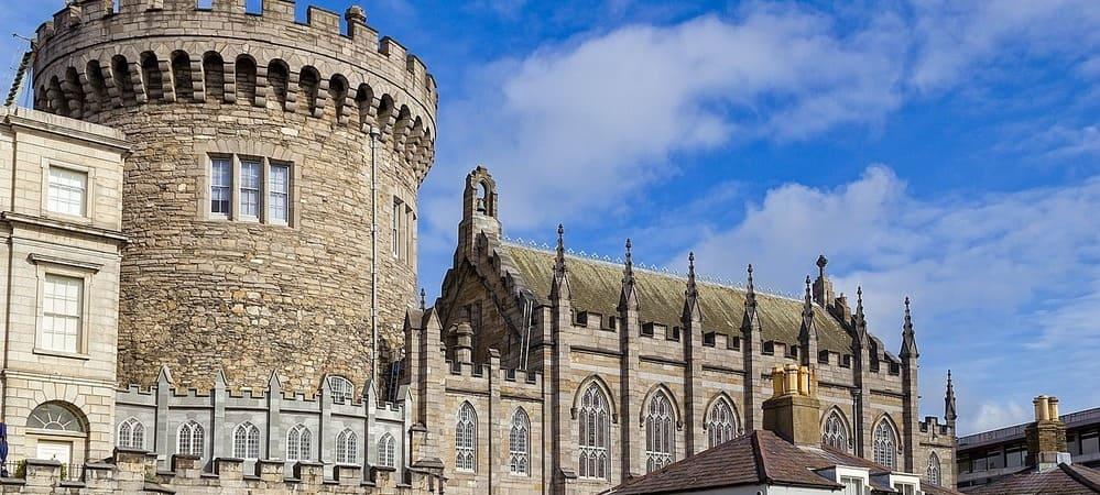 Vista frontal del Castillo de Dublín.