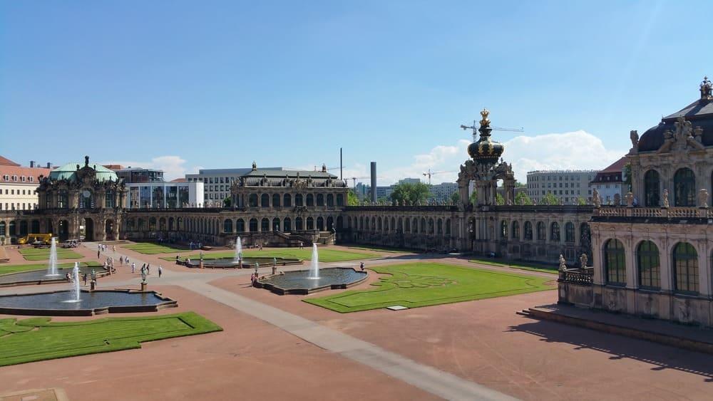 Vista del Palacio de Zwinger en Dresde
