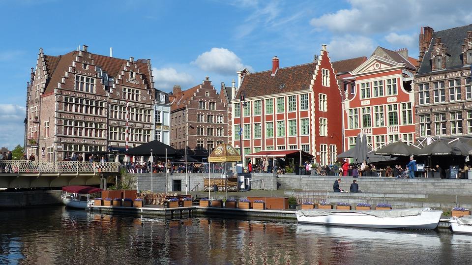 Viajar a Gante desde Bruselas en otoño