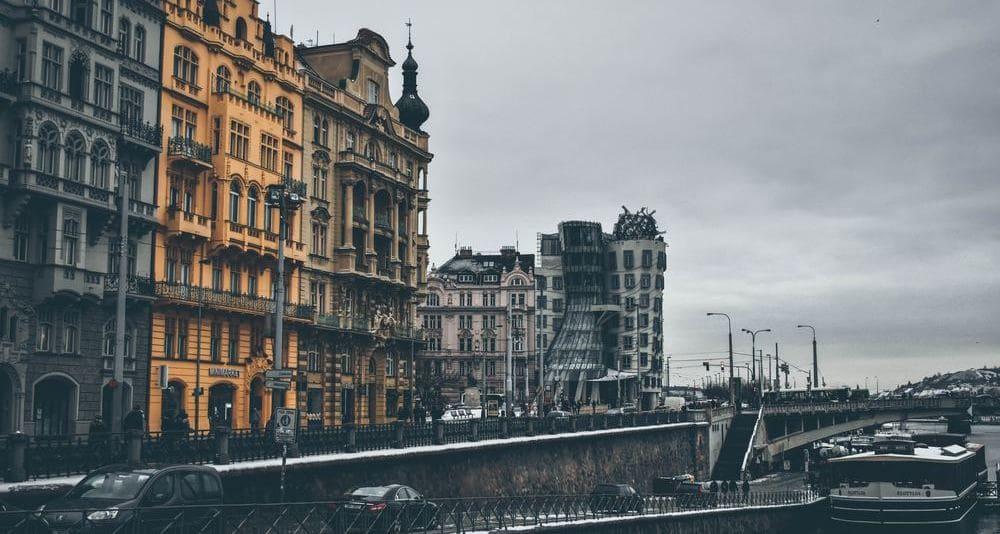 Vista de la Casa Danzante de Praga en noviembre