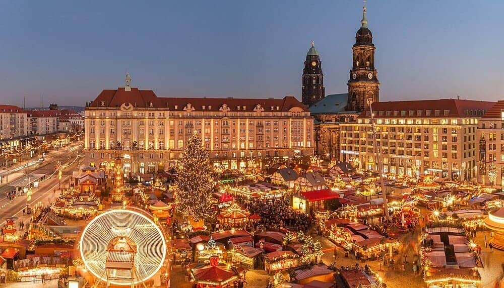 Mercado navideño de Dresde, conocido como Striezelmarkt