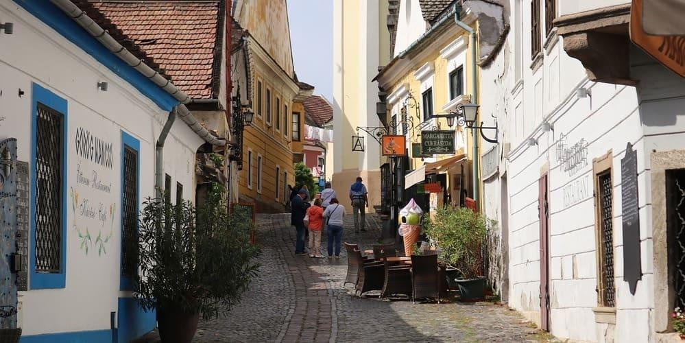 Calle de Szentendre, no te pierdas esta preciosa localidad. Sigue leyendo para conocer qué ver en Budapest en 3 días.