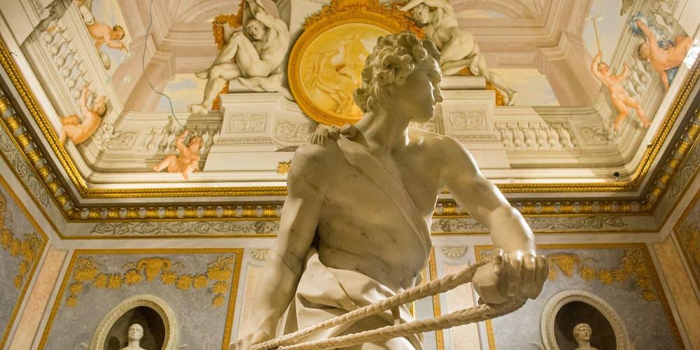 Estatua en el interior de la galería Villa Borghese.