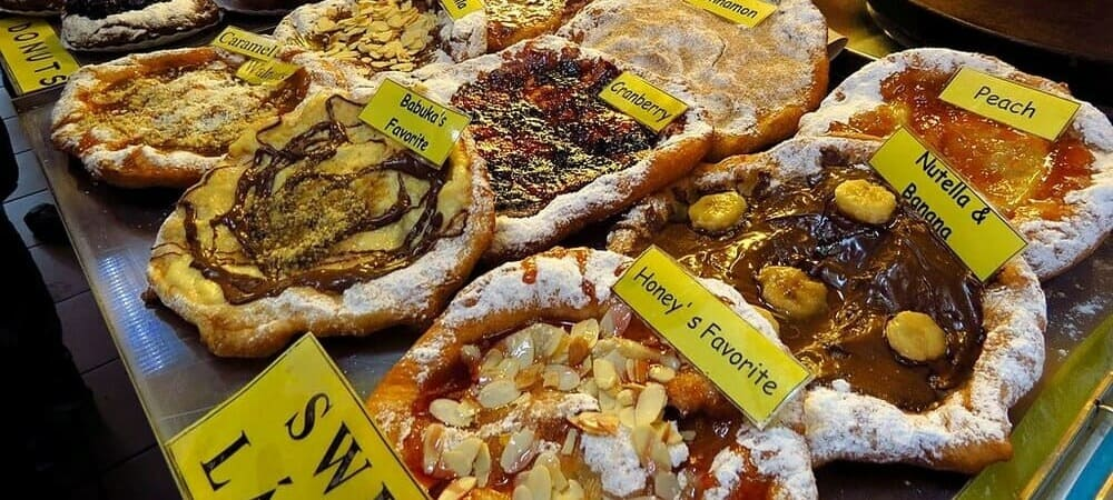 Puesto de comida húngara en el Mercado Central de Budapest.