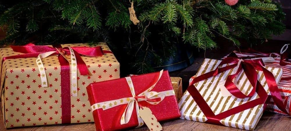 El día 6 de diciembre Mikúlas visita las casas de los niños para darles sus regalos.