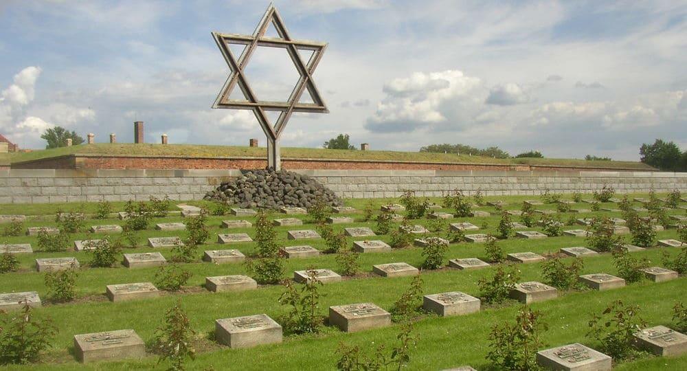 Cementerio situado en el campo de concentración de Terezín
