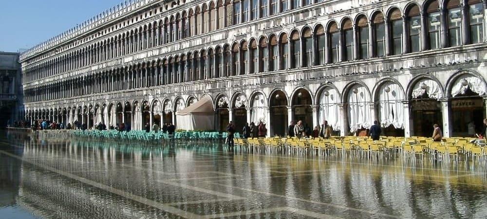 Plaza de Venecia durante el Acqua Alta.