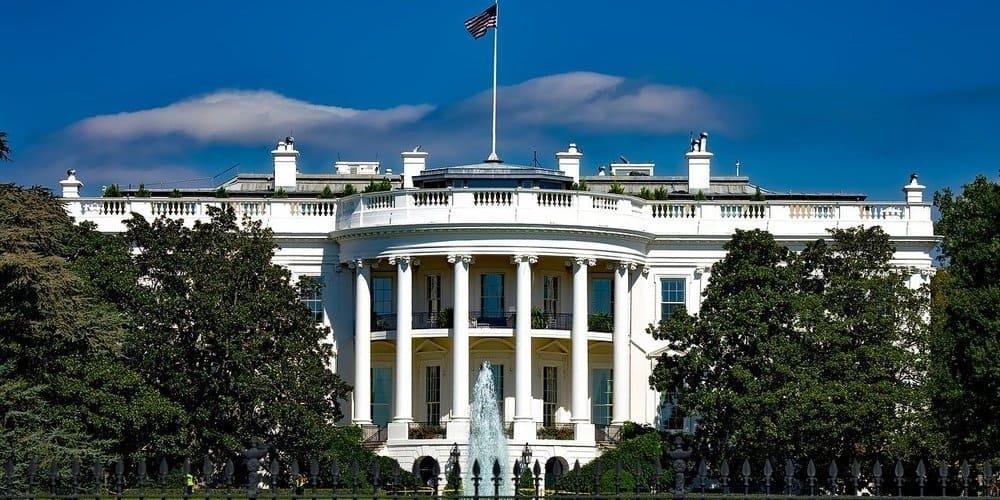 Imagen de la fachada de la Casa Blanca en Washington D. C.