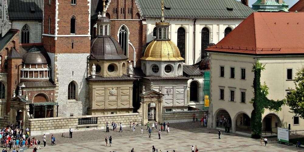 El clima seco de febrero en el castillo de Wawel en Cracovia.