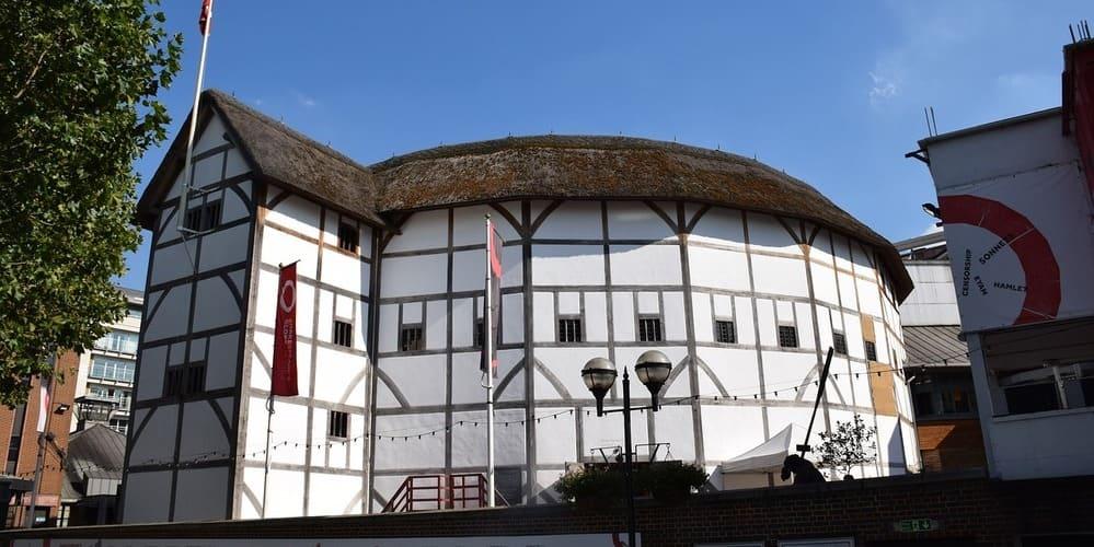 Vista de la fachada del teatro Shakespeare's Globe.