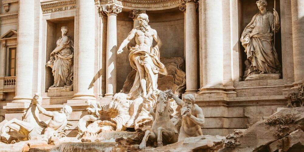 Visita a la fontana di trevi con buen tiempo en roma