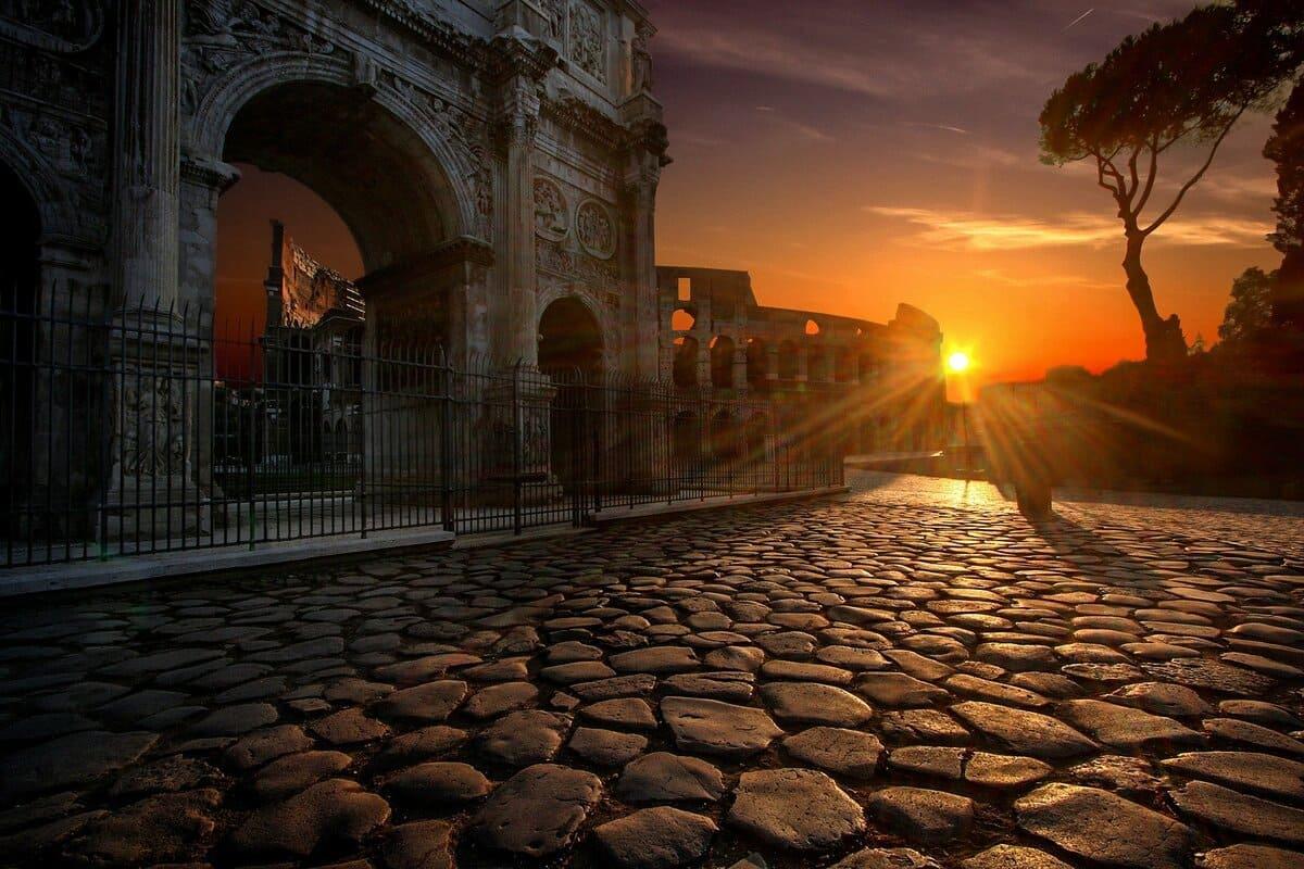 ¿A qué hora abre el Coliseo Romano?