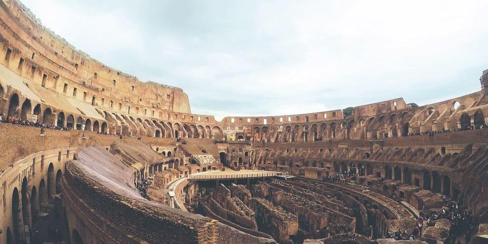 Imagen del interior de las Ruinas del Coliseo.