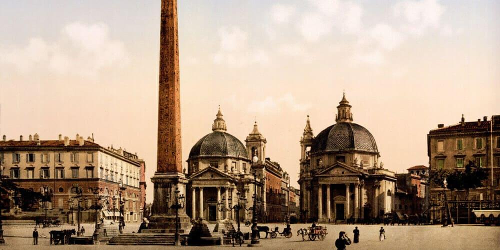 No te pierdas la preciosa Plaza del Popolo de camino al Coliseo Romano.