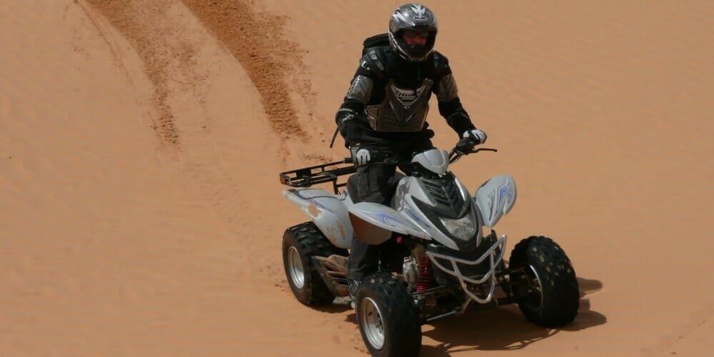 Adrenalina sobre cuatro ruedas en una ruta en quad por el desierto de Marrakech
