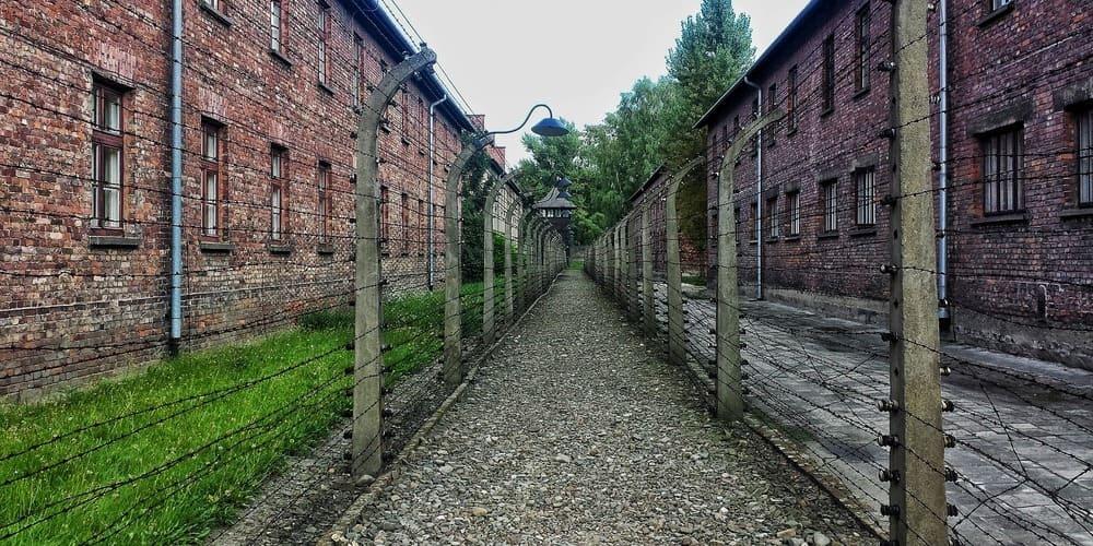 Tiempo frío en febrero en Auschwitz , Cracovia.