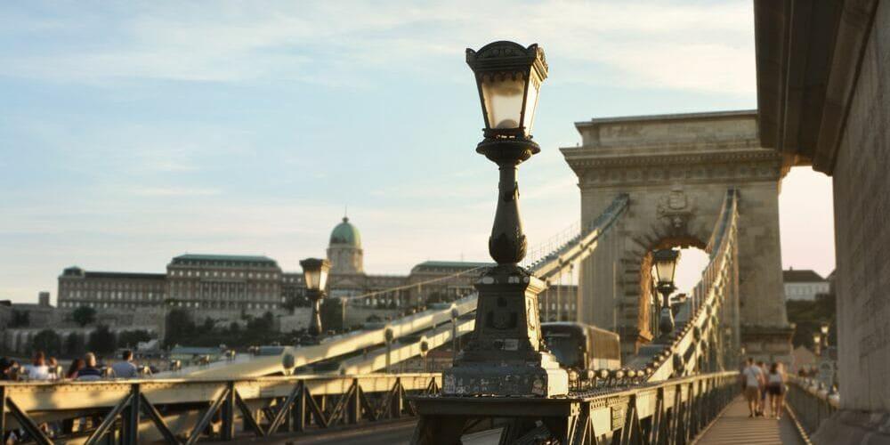 Fotografía realizada desde uno de los puentes que une las dos zonas de la ciudad Buda y Pest.