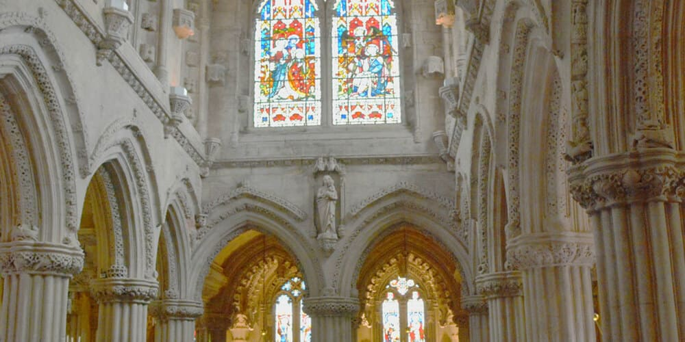 Imagen del interior de la capilla Rosslyn.