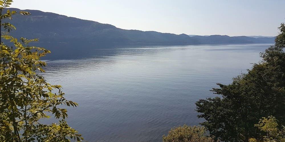 Vista panorámica del Lago Ness.