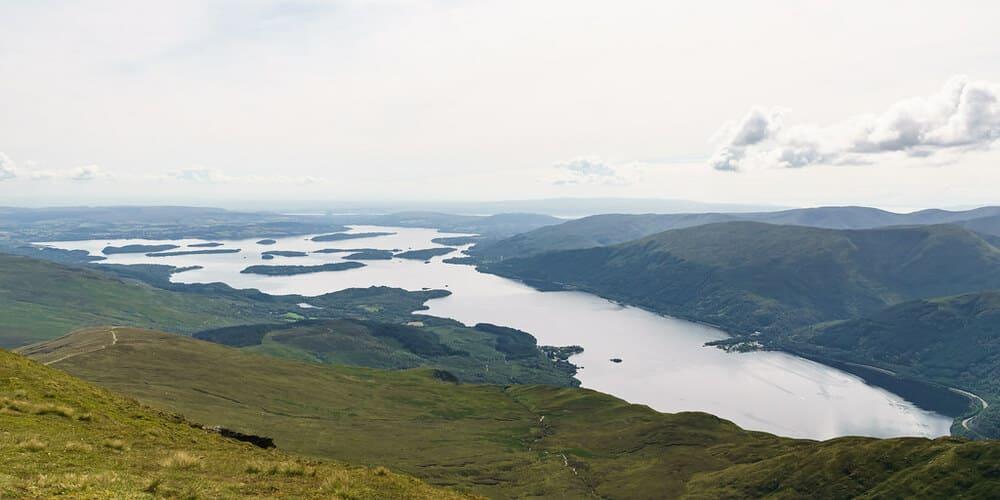 Vista aérea del Loch Lomond.