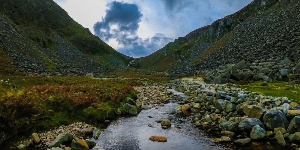 Fotografía de una excursión por Wicklow y Glendalough, muy adecuada para el tiempo, clima y temperatura en Dublín en Febrero.