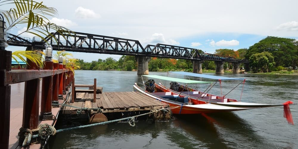 Vistas del puente sobre el río Kwai.