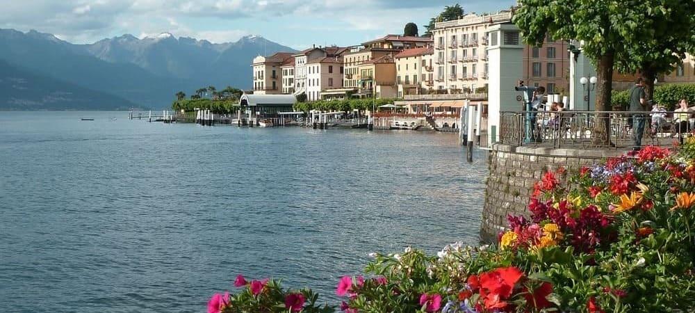 Fotografía del Lago Bellagio desde uno de los puntos de la costa del mismo.