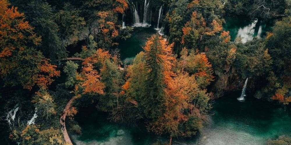 Vistas de los lagos Plitvice en la excursión desde Split.
