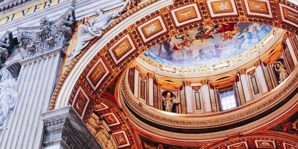 ¿A qué hora abre el Vaticano?