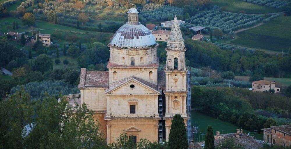 Si eres un amante del vino visita Montalcino, Pienza y Montepulciano
