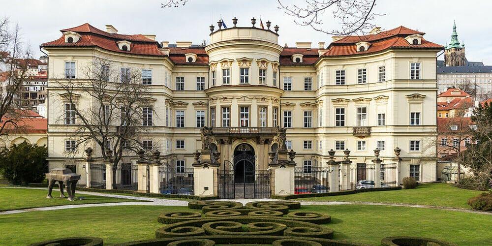 Imagen de la fachada del Palacio Lobkowicz