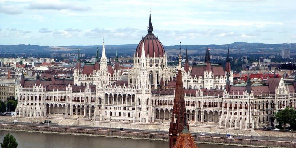 Fotografía aérea del Parlamento Húngaro.