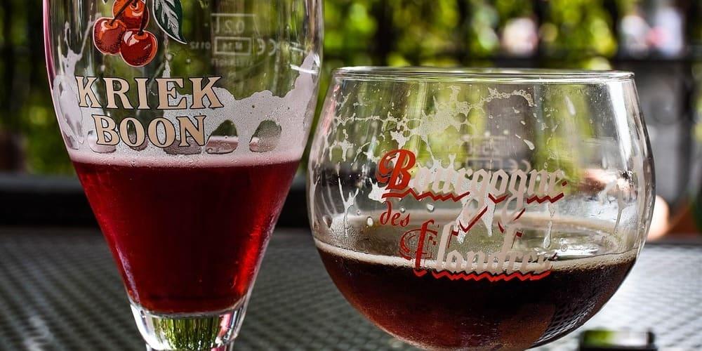 Imagen de una cerveza belga, disfruta del tiempo, clima y temperatura en Bruselas en Marzo mientras te tomas una.