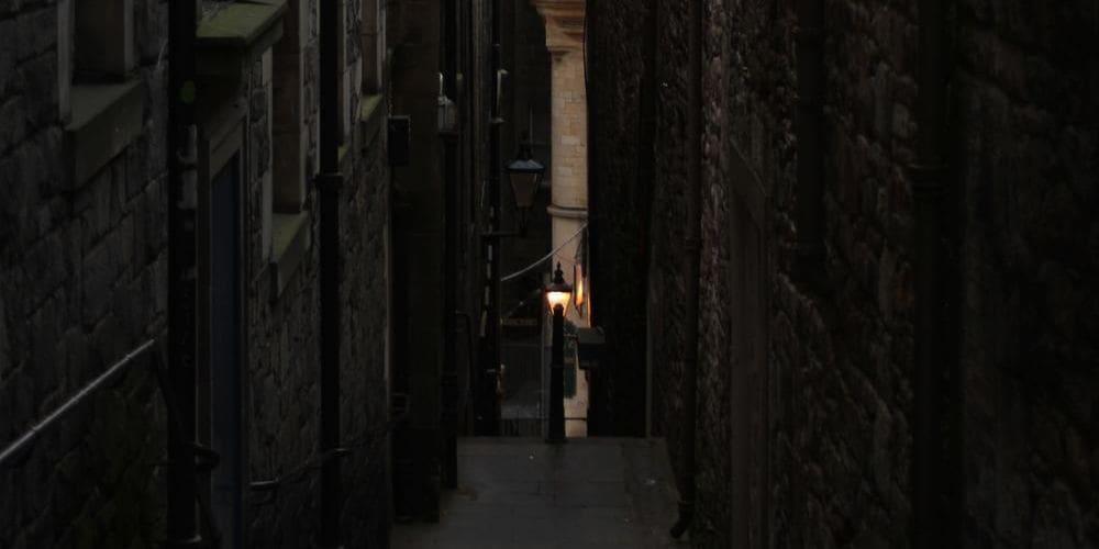 Fotografía de las calles de Edimburgo durante un Tour Subterráneo en Edimburgo.