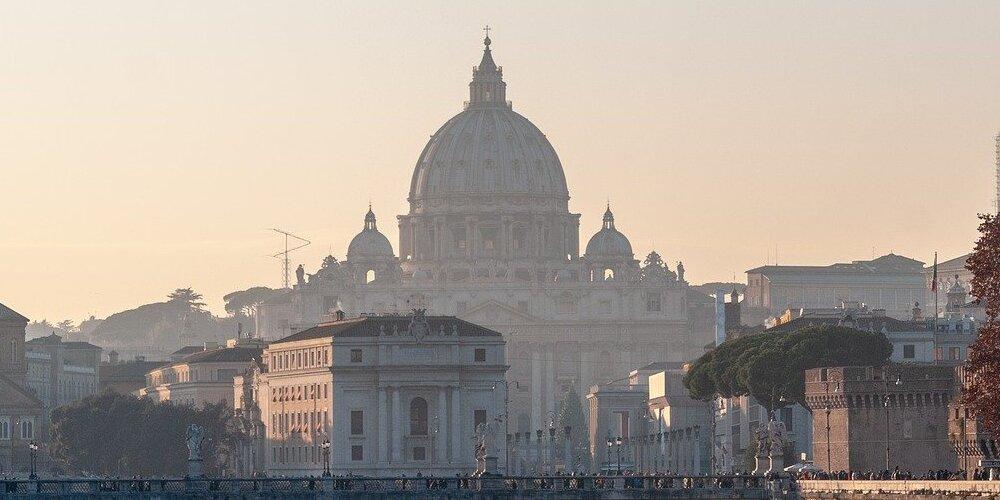 Panorámica con buen tiempo en Roma en abril